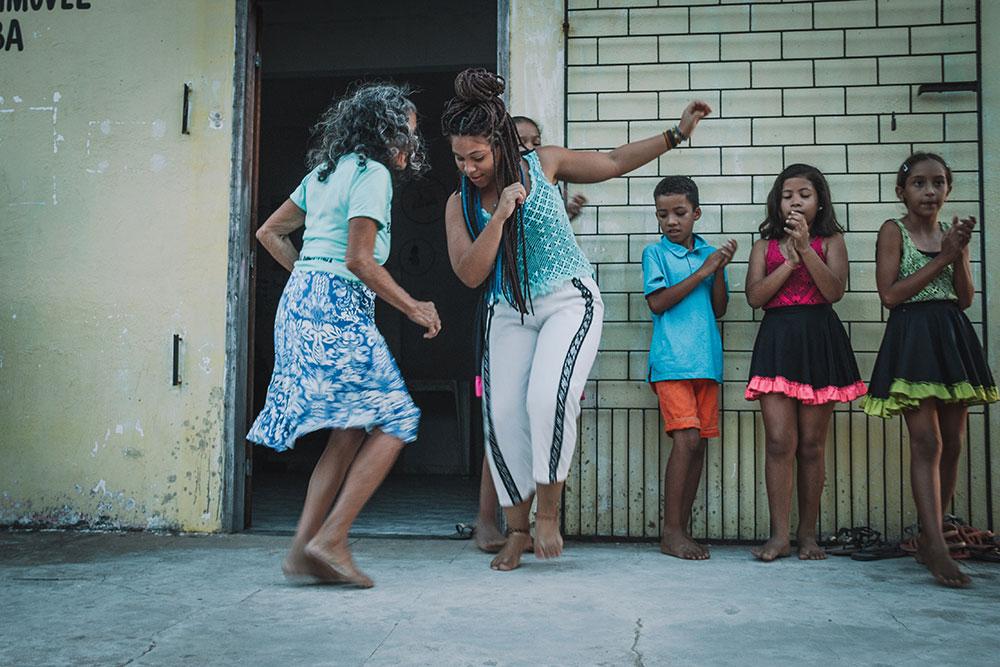 Dança do Côco. Dança típica de Caetanos de Cima, comunidade de pescador no litoral cearense.